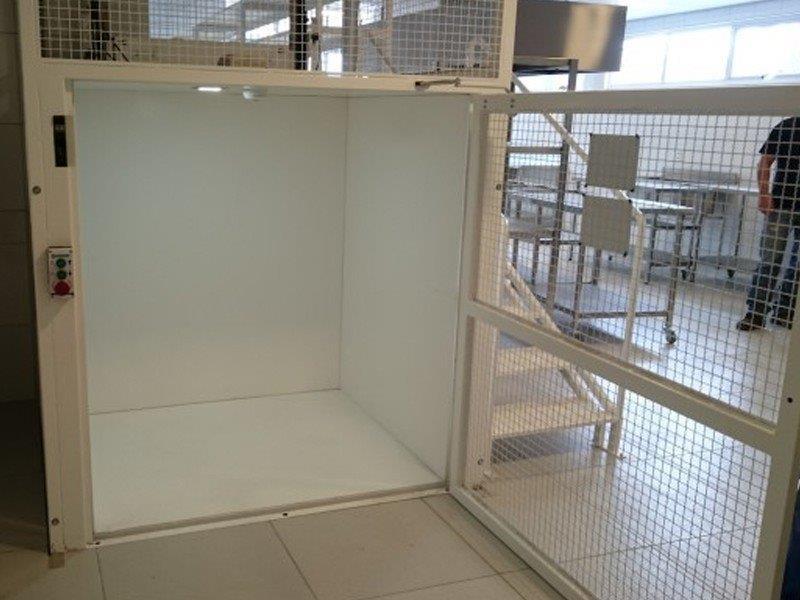 Comercio de peças para elevadores